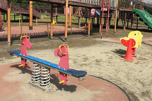 湯川ふるさと公園・遊具