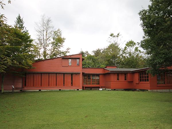 レーモンド・夏の家